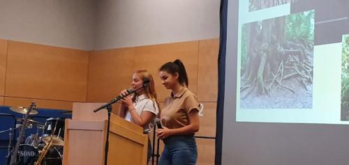Larissa Ferreira-Meyle & Anna-Maria Bihlmaier, Schülerinnen der Fritz-Ulrich-Gemeinschaftsschule